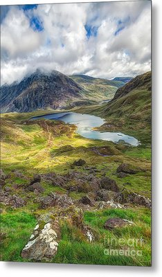 Llyn Idwal Lake Metal Print by Adrian Evans