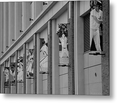 New York Mets Of Old In Black And White Metal Print by Rob Hans