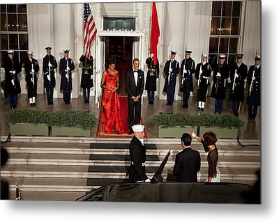 President And Michelle Obama Welcome Metal Print by Everett