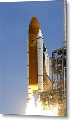 Space Shuttle Atlantis Twin Solid Metal Print by Stocktrek Images
