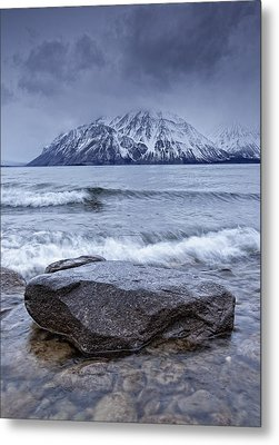 The Shoreline Of Kathleen Lake In Late Metal Print by Robert Postma