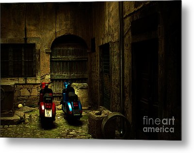Time Travellers Metal Print by Andrew Paranavitana