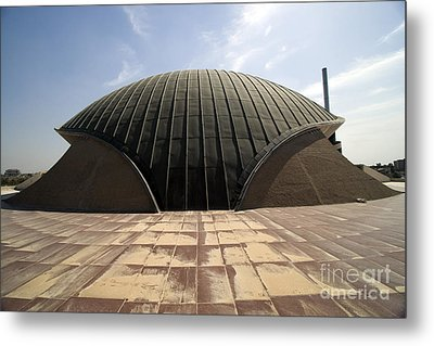 Baghdad, Iraq - A Great Dome Sits At 12 Metal Print by Terry Moore