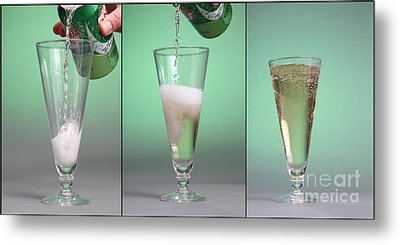 Carbonated Drink Metal Print by Photo Researchers, Inc.
