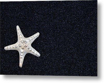 Starfish On Black Sand Metal Print by Joana Kruse