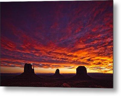 Sunrise Over Monument Valley, Arizona Metal Print by Robert Postma