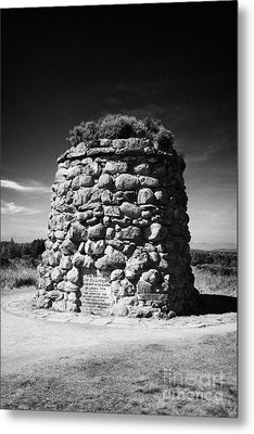 the memorial cairn on Culloden moor battlefield site highlands scotland Metal Print by Joe Fox