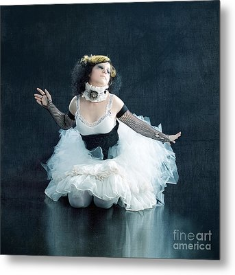 Vintage Dancer Series Metal Print by Cindy Singleton