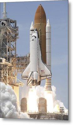 Space Shuttle Atlantis Twin Solid Metal Print by Stocktrek Images