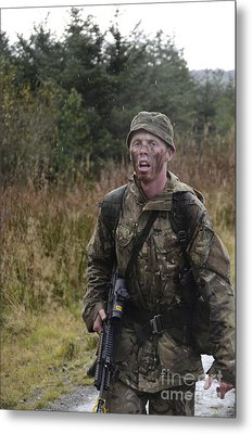A British Soldier During Exercise Metal Print by Andrew Chittock