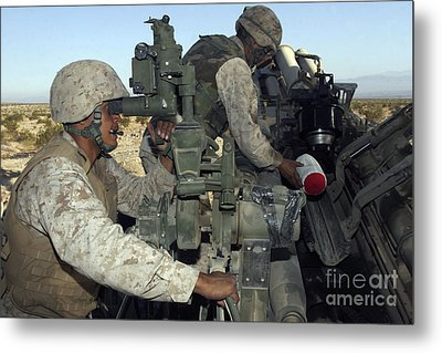 A Cannoneer Looks Through The Sights Metal Print by Stocktrek Images