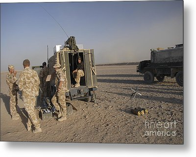A Control Center For The Howitzer 105mm Metal Print by Andrew Chittock