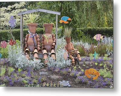 A Marine Garden Area In The Childrens Metal Print by Douglas Orton