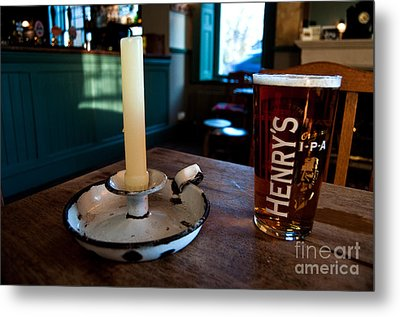 A Pint Of Henry's Metal Print by Rob Hawkins