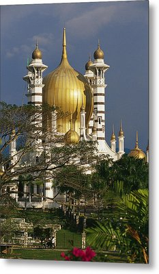 A View Of The Ubudiah Mosque Metal Print by Steve Raymer