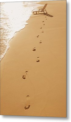 A Walk On The Beach Metal Print by Don Hammond