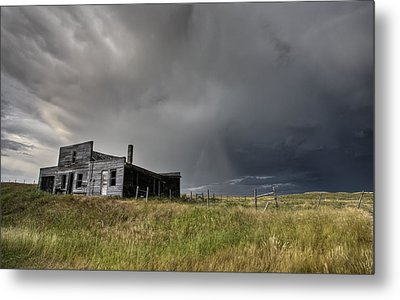 Abandoned Farmhouse Saskatchewan Canada Metal Print by Mark Duffy