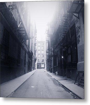 Alleyway Metal Print by William Andrew