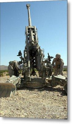 Artillerymen Manning The M777 Metal Print by Stocktrek Images