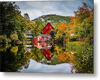 Ashland Metal Print by Robert Clifford
