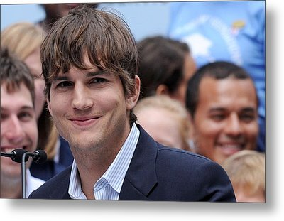 Ashton Kutcher At The Press Conference Metal Print by Everett