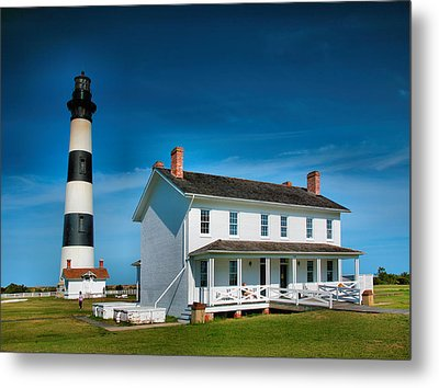 Bodie Island Lighthouse And Keepers Quarters Metal Print by Steven Ainsworth