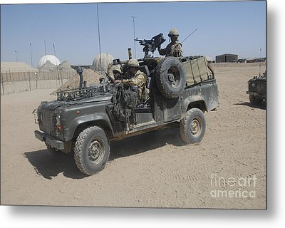 British Soldiers In Their Land Rover Metal Print by Andrew Chittock