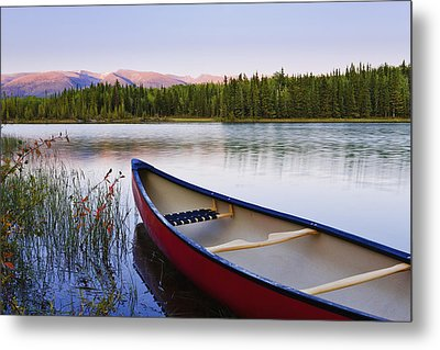 Canoe And Boya Lake At Sunset, Boya Metal Print by Yves Marcoux