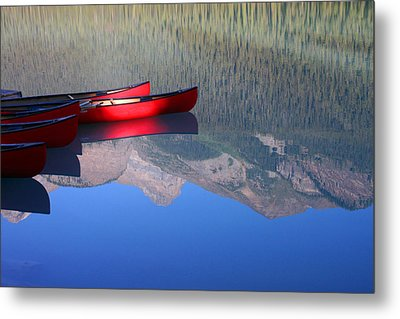 Canoes In The Rockies Metal Print by Steve Parr