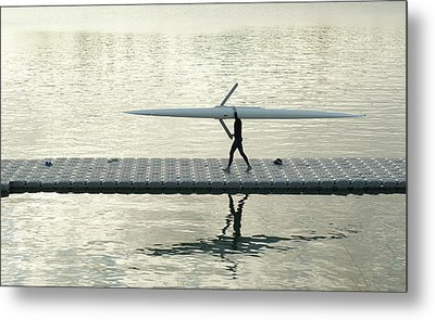 Carrying Single Scull Metal Print by Lynn Koenig