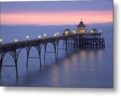 Clevedon Pier, Clevedon, Somerset, England, Uk Taken During The Icelandic Volcanic Incident Of Spring 2010 Metal Print by Nick Cable