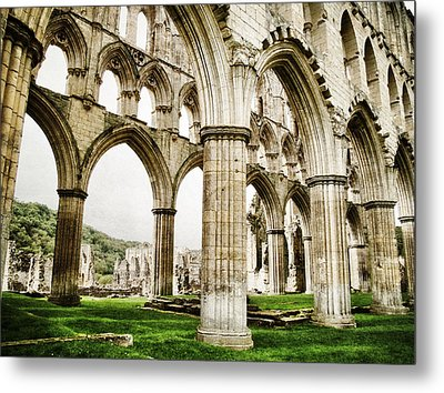 Cloisters Of Rievaulx Abbey Metal Print by Sarah Couzens
