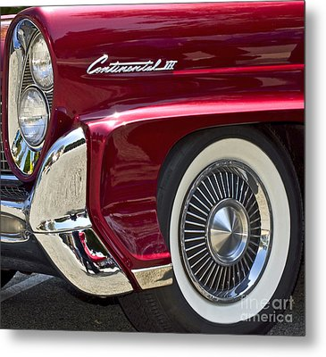 Continental IIi Metal Print by Gwyn Newcombe