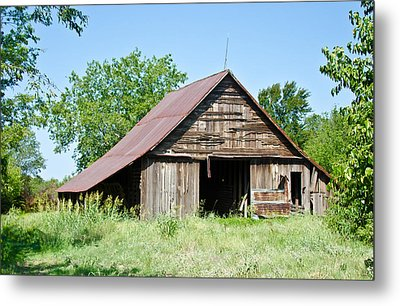 Cove Barn Metal Print by Lisa Moore