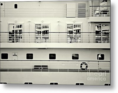 Cruise Reflections Metal Print by Dean Harte