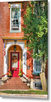 Door In Historic District I Metal Print by Steven Ainsworth