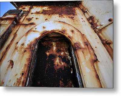 Door Of Rust Metal Print by David Lee Thompson