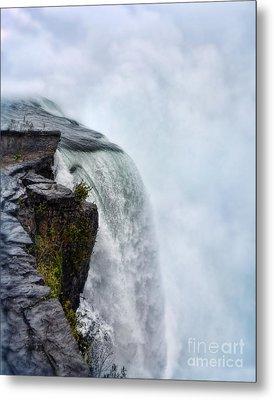 Edge Of Niagara Falls Metal Print by Jill Battaglia