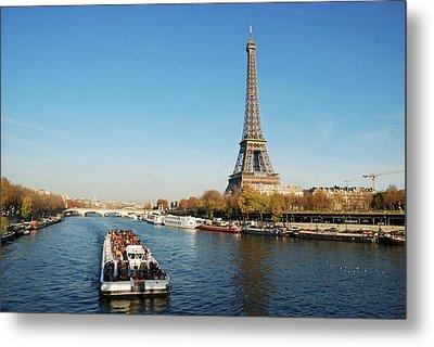 Eiffel Tower Metal Print by David Min