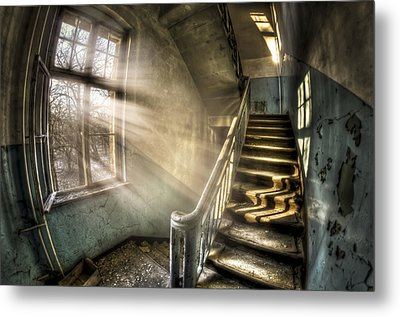 Evening Light Cooming In Metal Print by Nathan Wright
