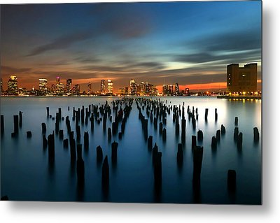 Evening Sky Over The Hudson River Metal Print by Larry Marshall
