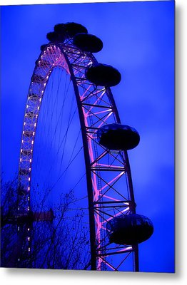 Eye Of London Metal Print by Roberto Alamino