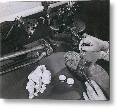Fbi Forensic Science. A Technician Metal Print by Everett