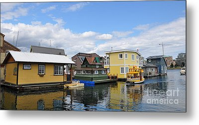 Float Houses In Victoria Canada Metal Print by Tanya  Searcy