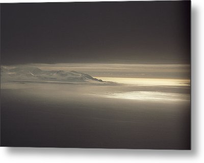 Fog And Sunlight Over Polar Metal Print by Gordon Wiltsie