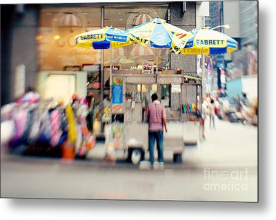 Food Vendor In New York City Metal Print by Kim Fearheiley