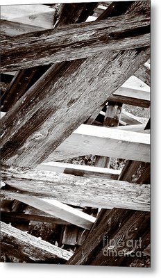 Framework Kinsol Trestle Wooden Frame In Abstract Black And White Metal Print by Andy Smy