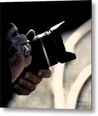 Hands At 270mm Metal Print by Steven  Digman