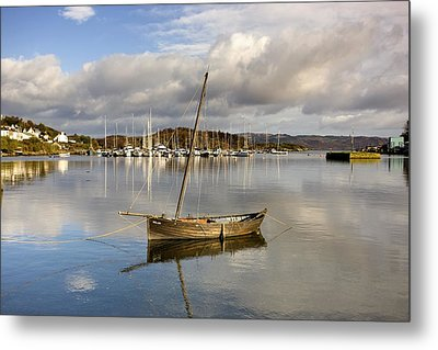 Harbour In Tarbert Scotland, Uk Metal Print by John Short