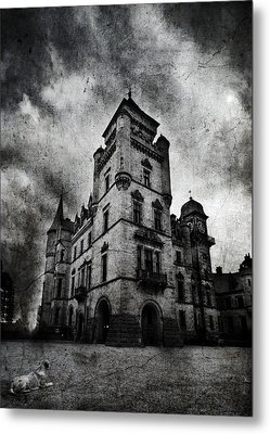 Haunted 2 Metal Print by Laura Melis